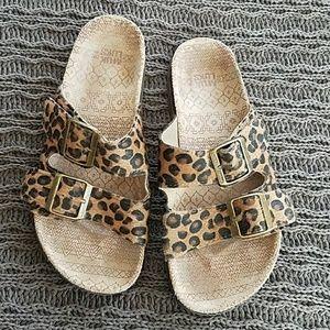 Leopard print Muk Luk Birkenstock-style sandals
